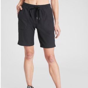 Athleta women's Bermuda size Small color black